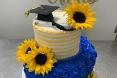 Fresh Daisy Tier Cake